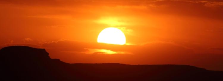 Sonnenuntergang vom Monument Valley aus gesehen