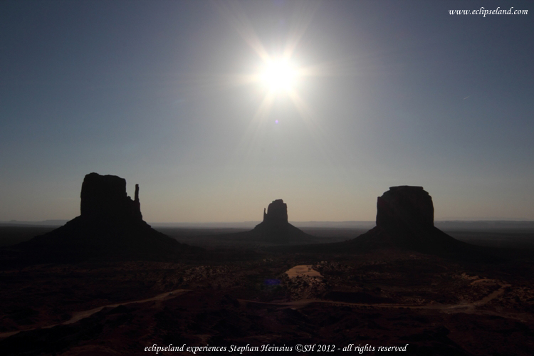 Sonne über dem Monument Valley