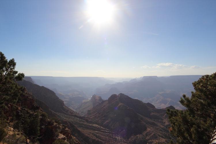 Sonne über dem Grand Canyon