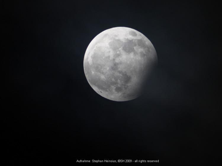 Mond im Kernschatten um 20:31